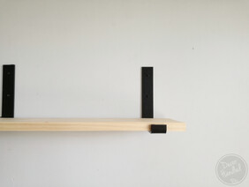 Minimalist Shelf Bracket with Lip - Black or White